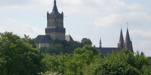 Schwanenburg und Stiftskirche