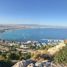 Blick auf Poetto und den Kleinen Jachthafen Marina Picolla