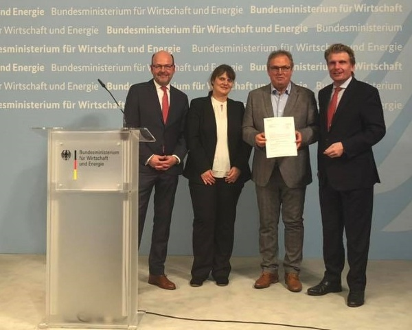 v.L. Heinz-Dieter Quack, Sandra Wenz (Head of TI Birkenfelder Land), Axel Singer (Managing Director of Kur und Tourismus GmbH Bad Peterstal-Griesbach), Thomas Bareiß