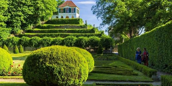 Schlosspark Diesbar-Seußlitz mit Heinrichsburg