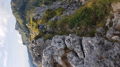 Rast auf dem Schrödelstein neben überlaufenen Hauptgipfel