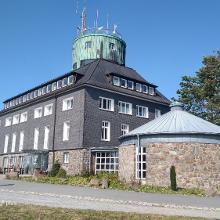 Kahler Asten, Wetterstation und Gasthaus