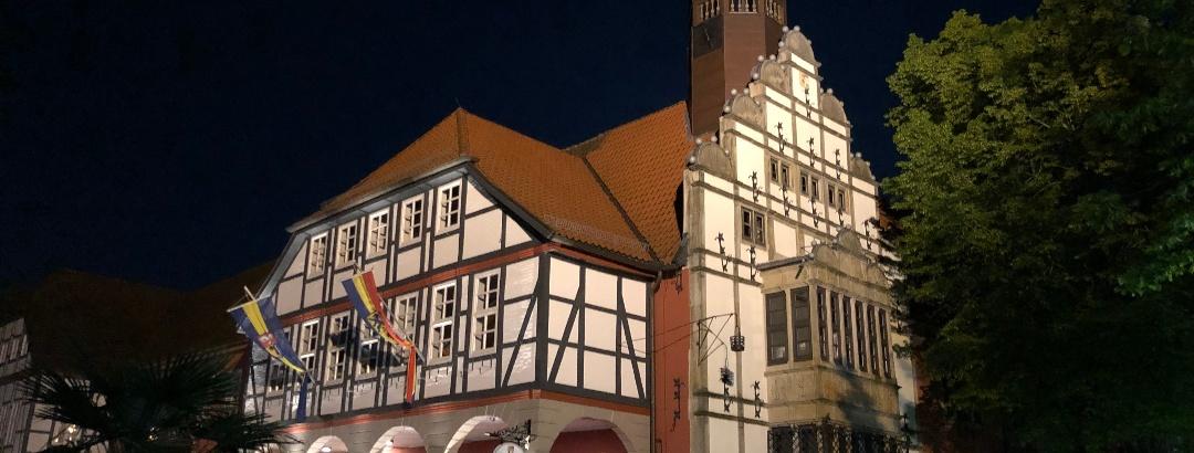Rathaus Nienburg am Abend