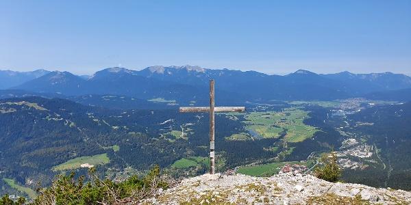 Am Gipfel des Lindenkopfs