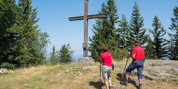 Masenberg: Gipfelkreuz Sommer