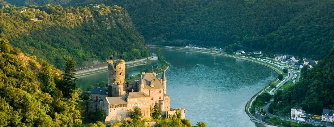 Blick auf die Burg Katz am Romantischen Rhein