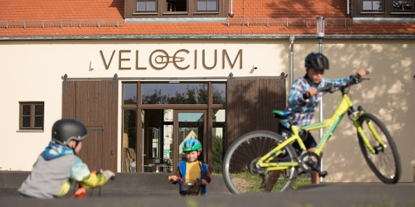 Velocium Weinböhla - Pumptrack mit Kindern