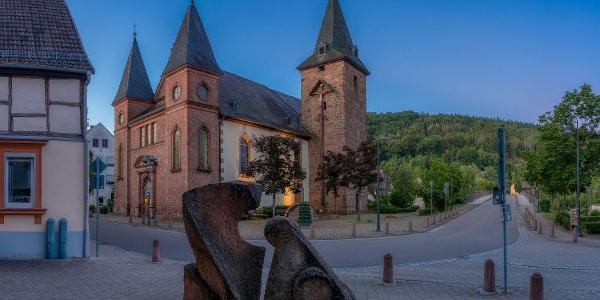 Skulptur Rätsel vor der Marienkirche