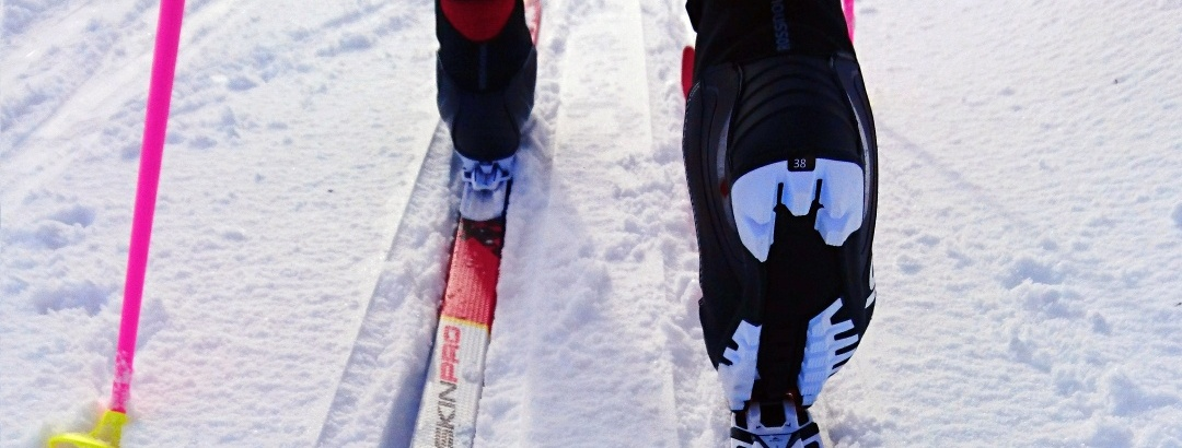 Nordischer Skifahrer in Ruka, Kuusamo