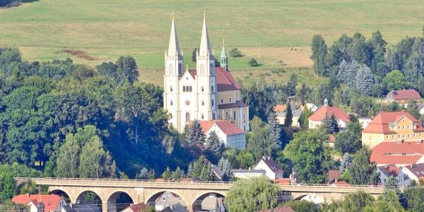 Blick auf Schirgiswalde-Kirschau / Pfarrkirche Mariä Himmelfahrt