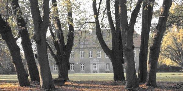 Cadenberge Gutspark mit Gutshaus