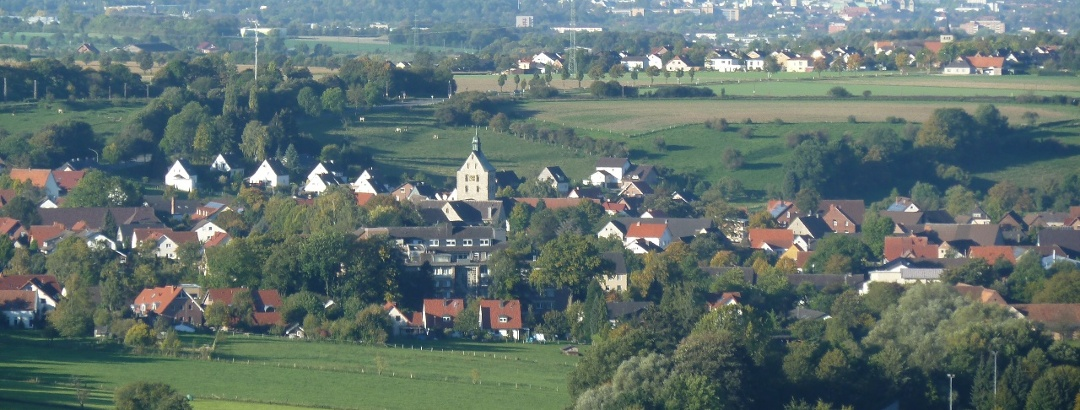 Blick auf Neuenbeken vom Aussichtspunkt Papenberg