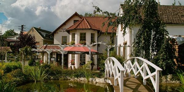 Landhotel am Fuchsbach Wolfersdorf - Außenanlagen