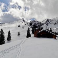 Stuibenhütte mit Stuibenspitze (der Stuibenkopf ist dahinter)