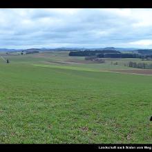 Landschaft nach Süden vom Weg unterhalb des Vulkangartens Richtung Eichholzmaar