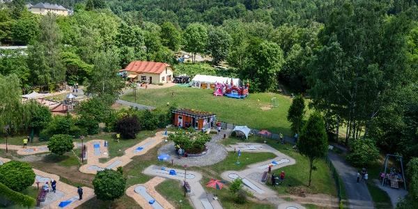 Minigolfanlage, Spielplatz, Zelt, Café ScHoGo
