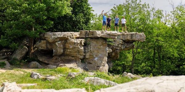 A Kelemen-kő (Ingó-kő) a szentbékkállai kőtengernél