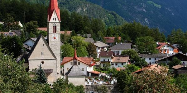 Vom Stadtzentrum über Schloss Sprechenstein zum Wallfahrtsort Maria Trens im Wipptal.