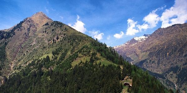Der Mutkopf ist ein Gasthaus und Aussichtspunkt unterhalb der Mutspitze.