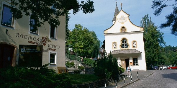 Collalbo - Klobenstein, the central village of the plateau from Ritten - Renon.