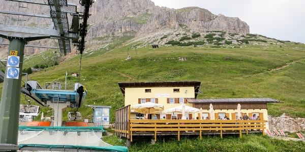 Die Paolinahütte ist auch mit dem Sessellift erreichbar.