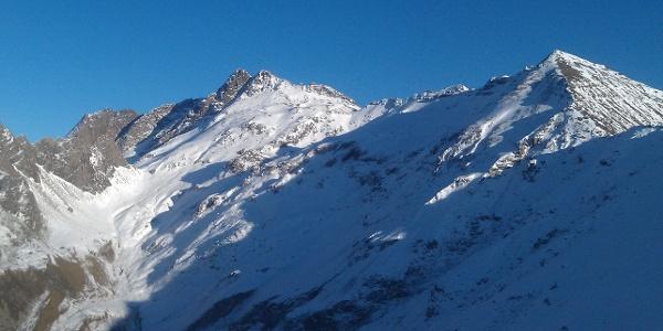 Ausblick von der Überseilspitze im Pfitschertal - im Bild die Kramer- und Wilde Kreuzspitze der Pfunderer Berge.