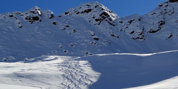 Kurz, aber abwechslungsreich: die Skitour zum Erensee oberhalb von Pfelders in Passeier.