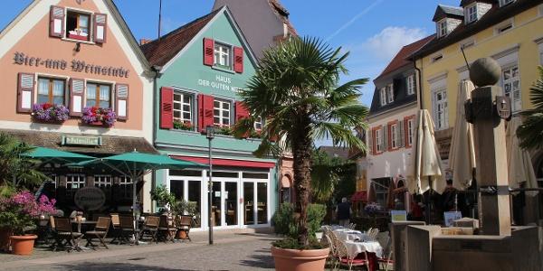 Bad Dürkheim, Römerplatz, Haus der guten Weine