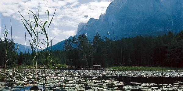 Der Völser Weiher am Schlern, Ausgangspunkt zahlreicher Wanderungen