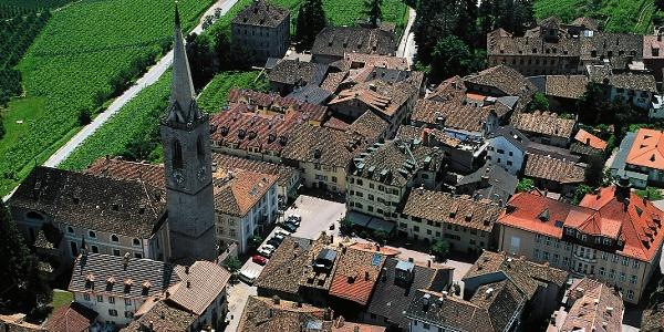 Der malerische Weinort Kaltern ist Ausgangspunkt der zweiten Etappe.