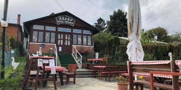 Árpád borozó