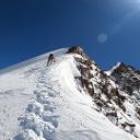 Aufstieg Vorgipfel, zu Beginn noch etwas Schnee, danach Eis