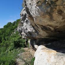 A Pes-kő sziklaösvénye a