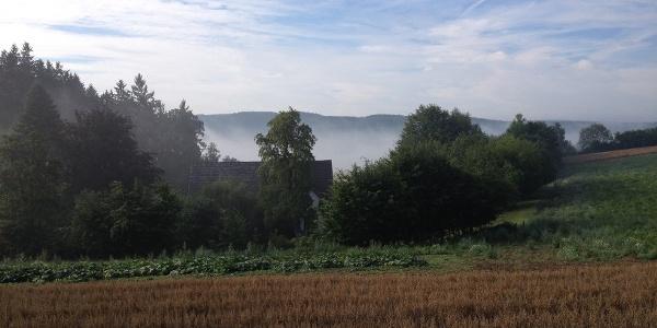 Blick auf Felder oberhalb Brenge