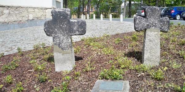 Sühnekreuze vor der Jakobikirche Oelsnitz
