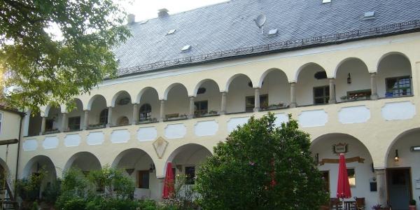 Schloss Hart