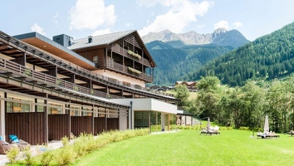 Dreamlike! The La Casies Mountain Living Hotel in the Valle di Casies offer luxury holidays.