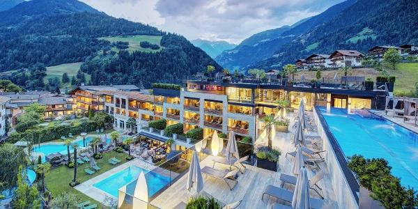 Herzlich Willkommen im Hotel Stroblhof in St. Leonhard in Passeier