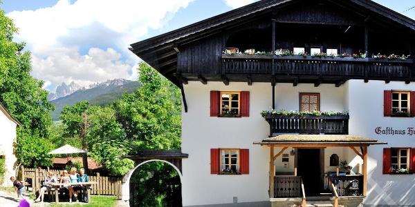 Im Gasthaus Huber in Pardell bei Klausen fehlt es einem an nichts.