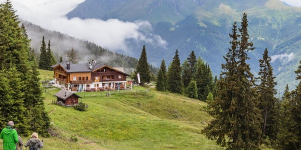 Traumhaft liegt die Furlhütte im Freizeitgebiet Rosskopf bei Sterzing.