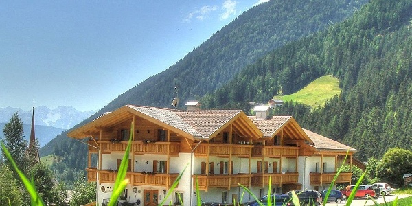 Welcome in the Gsieserhof your holiday hotel in Casies.