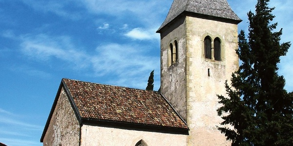 The Romanesque church of St. Jakob in Kastelaz holds one of the oldest frescoes of the German language area.