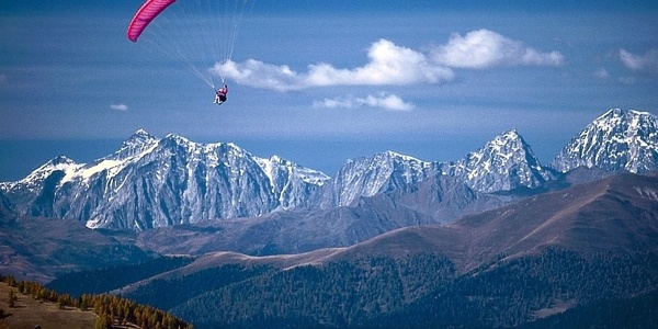 Paragliding in the Vedrette di Ries - Aurina Nature Park in South Tyrol.