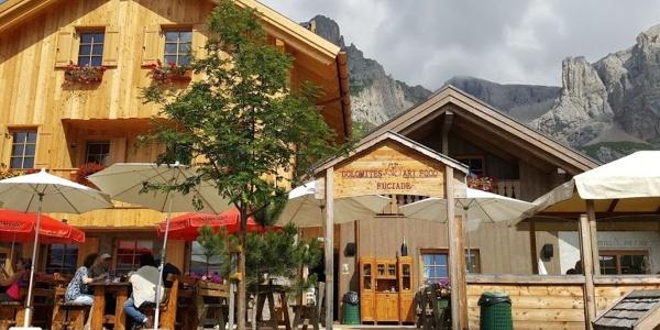 Welcome to the Rifugio Fuciade on the San Pellegrino Pass!