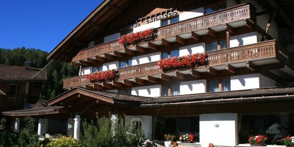 Welcome to Hotel Catinaccio in the heart of the Dolomites!
