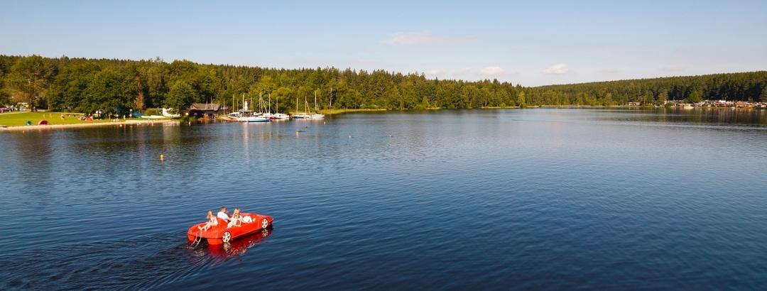 Bootfahren auf dem Stauweiher