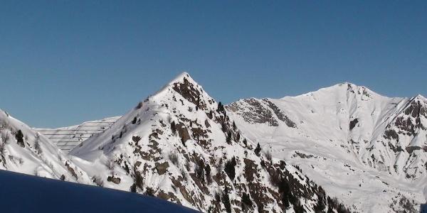Hoher Napf 2237 m und Schafseitenspitze 2602 m (Von links nach rechts)
