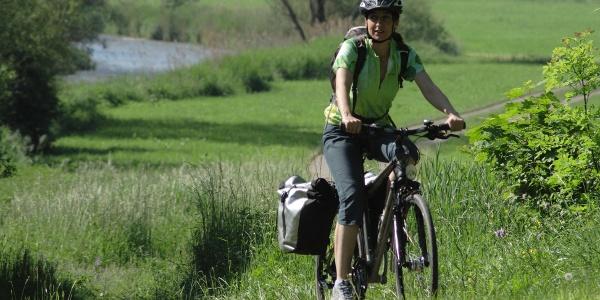 Radlerin auf dem Kocher-Jagst-Radweg