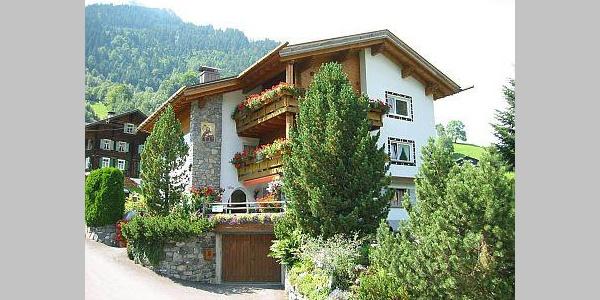 Gästehaus Mangruaz im Sommer