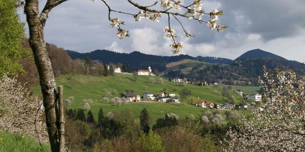 Blick auf die Pfarrkirche Heiliger Viktor